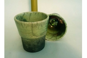 2 Zahnputz Becher / Raku / Olivgrün  Höhe 11,5 cm Ø 10 cm