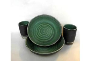 Teller-Becher Set Oliv-Grün